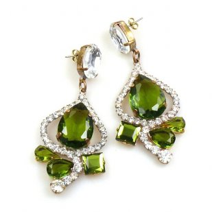 Swing Pierced Earrings ~ Olive