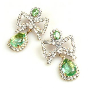 Bows Earrings Pierced ~ Peridot Green