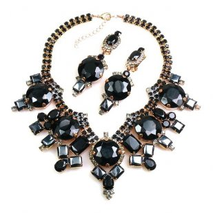 Taj Mahal Necklace Set with Earrings ~ Black